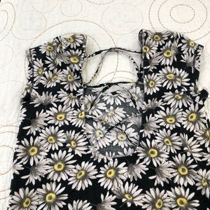 dELiA*s Tops - Sunflower shirt